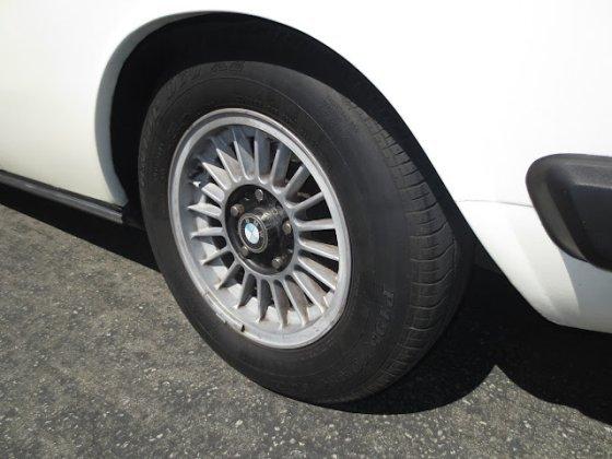 white CSa wheel