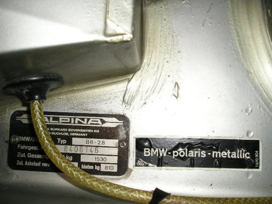 b6 VIN plate