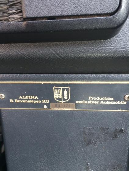 E28 B9 dash plaque