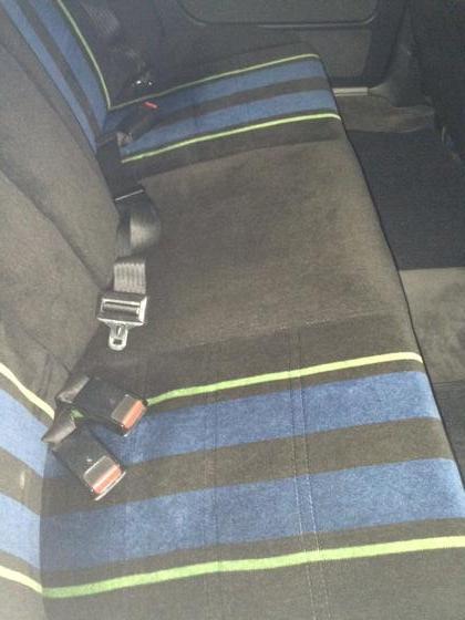 E28 B9 back seat