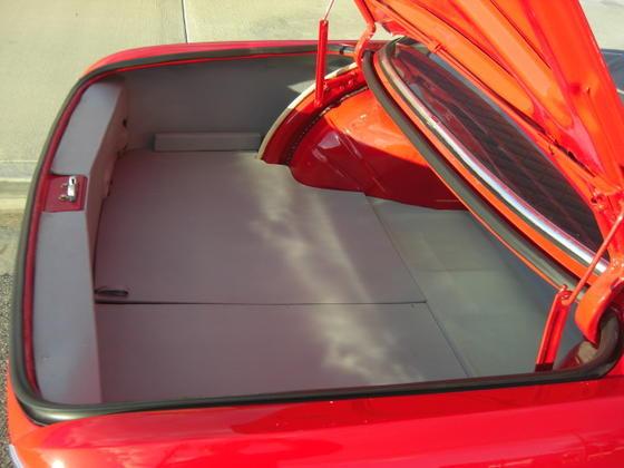 Granada 2000CS trunk 2