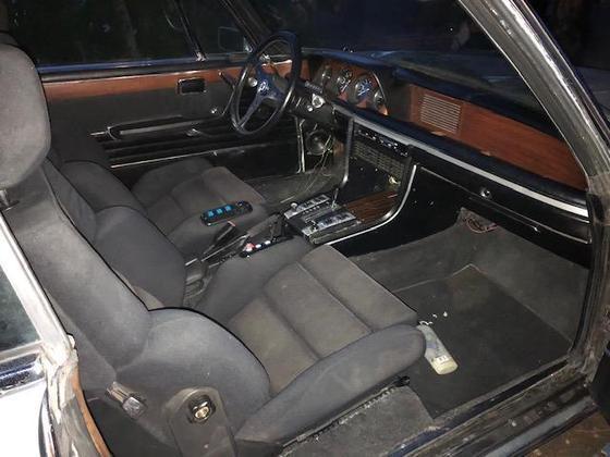 2800CS interior R