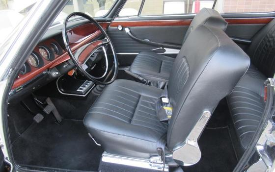 white 2000CS L interior