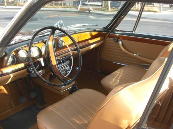 Granada 2000CS interior