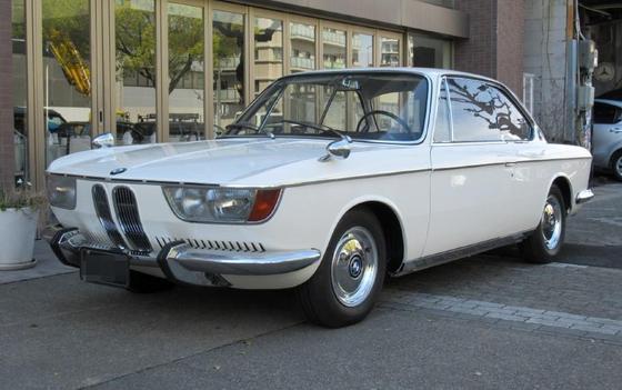 white 2000CS L fr